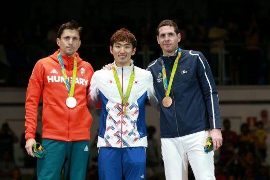 Vasakult: Geza Imre HUN, Sangyoung Park KOR, Gauthier Grumier FRA. Foto: Serge Timacheff/FIE